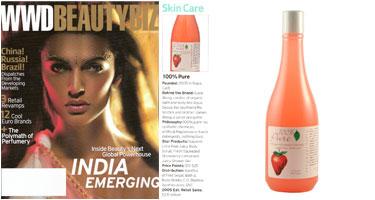 100% Pure Braškių drėkinantis kūno prausiklis / putos 'WWD Beautybiz' žurnale